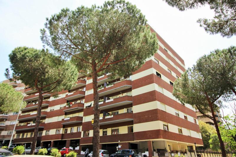 Eur appartamento in vendita appartamento in vendita for Affitto ufficio aventino